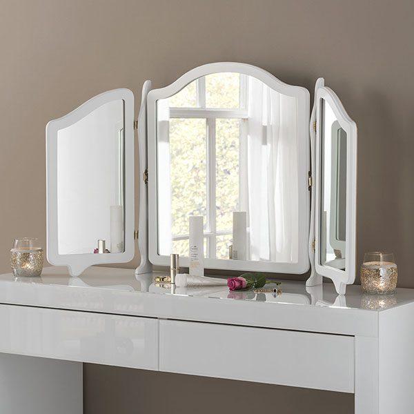 YG3 shaped triple mirror