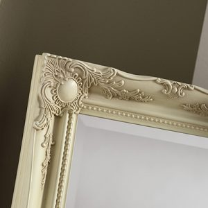 YG619 Baroque MIrror Ivory-detail
